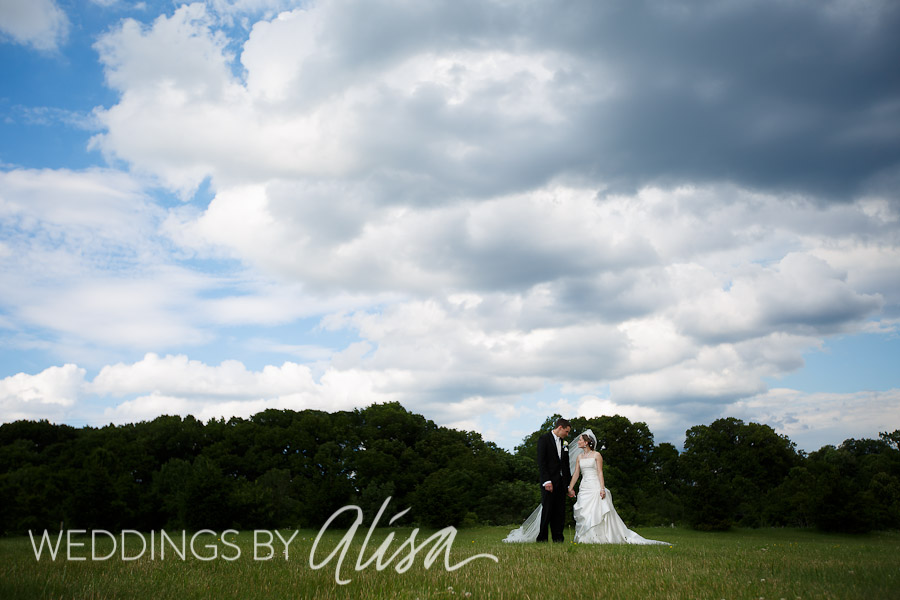 Wedding photos of bride and groom outside the Syria Mosque in Cheswick