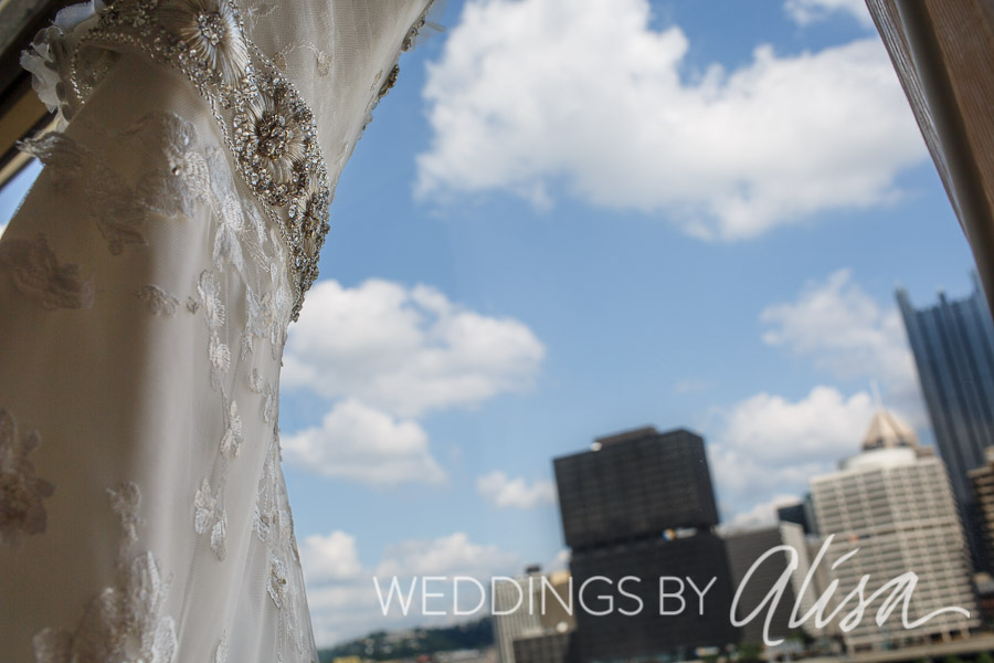 Bride getting ready in Downtown Pittsburgh